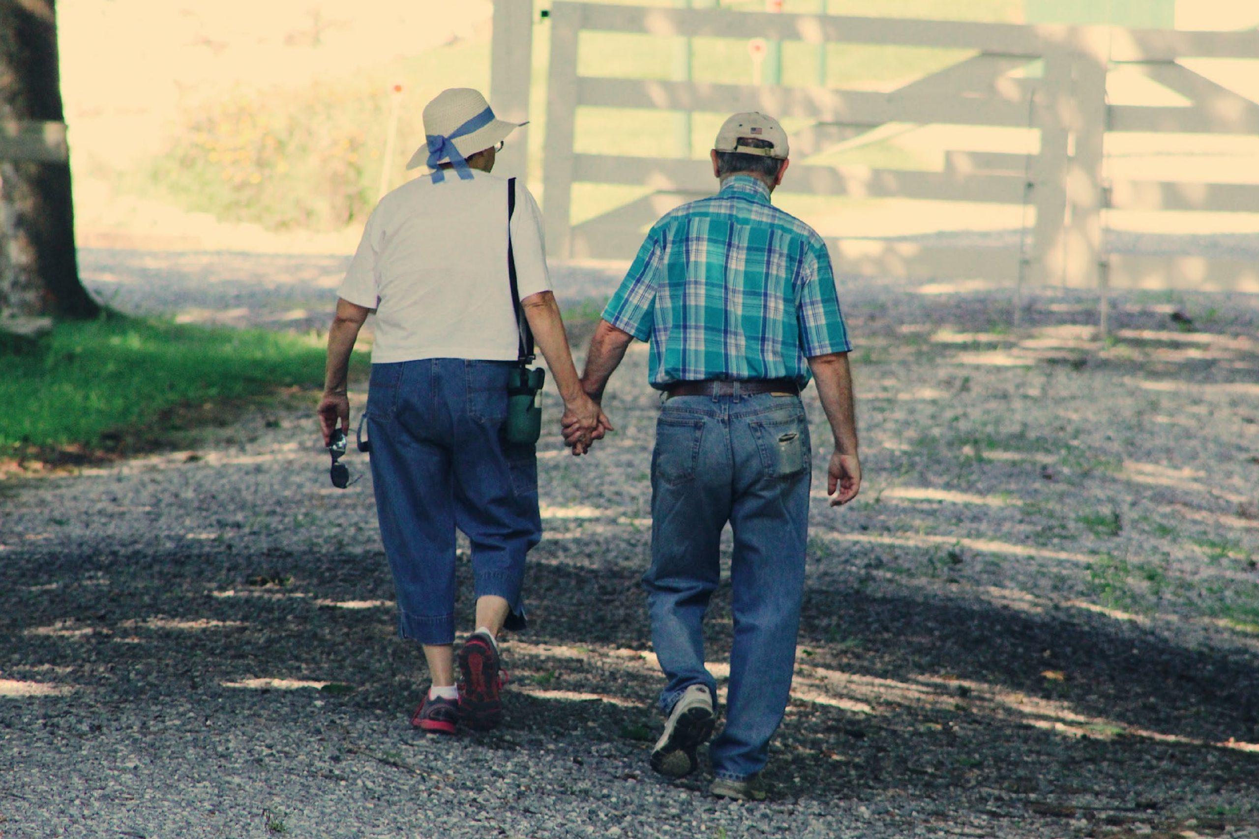 Het belang van samenlevingscontract bij nieuwe relatie op oudere leeftijd